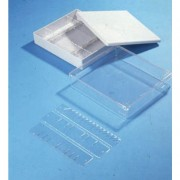 Boîtes  de rangements empilables - Matière :  Polystyrène cristal - Dimensions  ( L x l  ):122 x 82 mm - Hauteur : 32 -60 mm