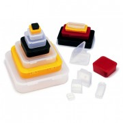 Boite plastique à charnière en polypropylène - Dimensions intérieures (L x l x H) mm : De 35 x 35 x 4 à 200 x 200 x 25,4