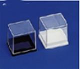 Boîte plastique pour minéraux - Modèle à couvercle cloche