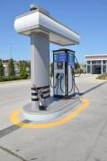 Borne de recharge véhicule électrique Trio - Tension Triphasée : 400 V CA ± 5%