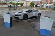 Borne recharge véhicules électrique en voirie - Bornes de recharge voirie robuste et design