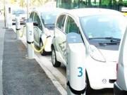 Borne recharge voiture électrique interactive