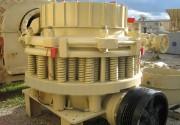Broyeur giratoire - Débit (tonnes par heures) max. de 30  à 450