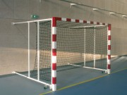 But de handball rabattable au mur