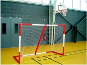 But mini handball - Dimensions: 2.40 x 1.70 m