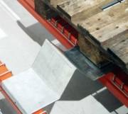 Butée podium tôlée - Fabrication en acier électro zingué - Epaisseur : 3 mm