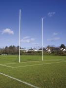 Buts de football gaélique en aluminium à sceller - Hauteur hors sol : 10,67 m - A sceller -  Aluminium plastifié