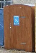 Cabine de toilettes sèches PMR - Ne nécessite pas de rampe d'accès