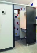 Cabines collectives panneaux stratifié massif - Portes et meneaux en stratifié massif 13 mm.