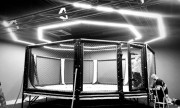 Cage MMA professionnelle - Avec Podium