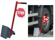 Cale roue manuelle pour camion - Doté d'un panneau STOP
