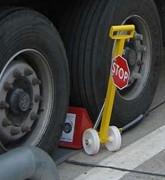 Cale-roues électrique - DImensions (HxLxl) mm : 250  x 390 x 235
