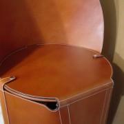 Chaise en cuir - Hauteur d'assise ( cm) : 46 - 47