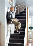 Chaise monte escalier pour handicapé - Glissement sur un rail d'aluminium