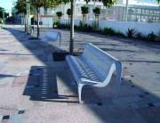 Chaise urbaine à lattes acier mécanosoudé - Assise et dossier en plats métalliques ondulés