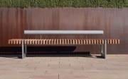 Chaise urbaine à lattes en bois exotique - Structure en acier S275R