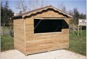 Chalet d'exposition - Contient une caisse de rangement d'accessoires + bois traité en autoclave
