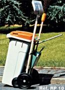 Chariot de voirie roule container - Largeur hors tout : 65 cm.