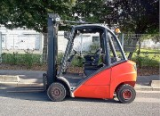 Chariot élévateur à mât triplex - Diesel - Capacité : 2500 Kg - H. de levée : 5500 mm - Année 2004