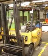 Chariot élévateur Caterpillar gaz - Hauteur de levage (m) : 3.3