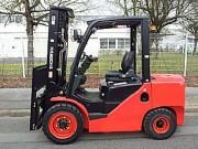 Chariot élévateur diesel triplex - Capacité : 3500 Kg - Hauteur de levée : 4500 mm