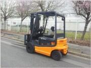 Chariot élévateur électrique d'occasion 2500 kg - Hauteur de levage (m) : 4,3