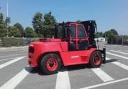 Chariot élévateur frontal 4 roues diesel - Capacité de levage : 10 000 kg