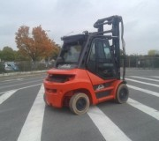 Chariot élévateur frontal 4 roues Fenwick - Capacité de levage7000 kg - Hauteur de levée : 4 850 mm