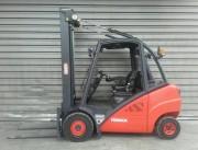 Chariot élévateur frontal d'occasion - Année 2010 - Capacité de levage 3 000 kg