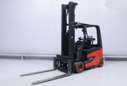 Chariot élévateur occasion électrique Linde 3000 kg - Hauteur de levée 7600 mm