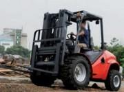 Chariot élévateur tout terrain maximal - Diesel - Neuf - Capacité : 3500 kg - Hauteur de levée : 4350 mm