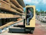 Chariot latéral electrique 3000 Kg - MQ30 - serie : 2125