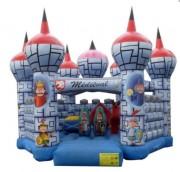 Château gonflable avec obstacles - Dimensions (m) : 7 x 7 x 5