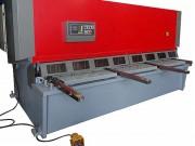 Cisaille hydraulique pendulaire - Longueur coupe : 2 à 6 m - Capacité de coupe : 4 à 20 mm