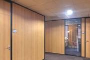 Cloison amovible modulable pour bureau - Disponible en : Tissus - Acier - Aluminium - Finition bois - Vitrée - PVC…