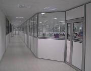 Cloison de bureau amovible - Ossature aluminium - Panneaux simple ou double vitrage