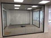 Cloison vitrée coupe feu - Ossature aluminium et Épaisseur cloison : 104 mm (hors tout)