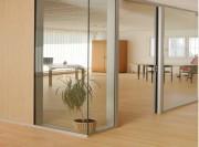 Cloisons fixes pour bureaux - Résistance parfaite - Intégration des réseaux électrique et de plomberie possible