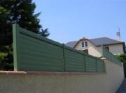 Clôture aluminium ajourée lames verticales - Barreaux : lames 90 x 25 mm