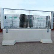 Clôture avec cadre grillagé galvanisé - Barrière grillagée KLOSTAB, composée d'un stabilisateur béton et d'un cadre métallique galvanisé