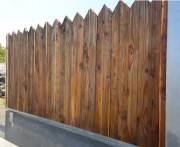 Clôture chantier avec habillage bois