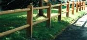 Clôture en bois à 2 lisses