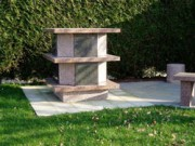 Columbarium granit - Dimensions (L x l) cm : 110 x 110