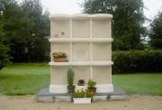Columbarium granit 9 cases - Dimensions de l'ensemble (L x l x h) : 1.59 x 0.75 x 1.67 m