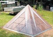 Columbarium pyramide - 3 modèles disponibles