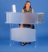 Comptoir d'accueil en plexiglas - Dimensions plateau (mm) : 120 x 70