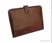 Conférencier marron en cuir de vachette - Dimensions (L x h) : 34 x 26 cm