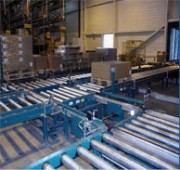 Convoyeur à rouleaux motorisé longerons en alliage d'aluminium - Constitué de deux longerons en alliage d'aluminium extrudé ou en acier