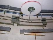 Convoyeur aérien à câble pour accumulation - Convoyeur aérien avec rails galva ou inox en forme de C
