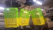 Convoyeur aérien de bacs - Spécial agro alimentaire Passe en machine, bacs plastiques et clayettes